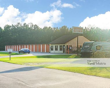 Storage Units for Rent available at 315 South Columbia Avenue, Rincon, GA 31326 Photo Gallery 1
