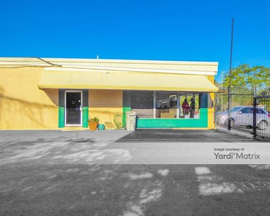 Storage Units for Rent available at 111 Tibet Avenue, Savannah, GA 31406 Photo Gallery 1