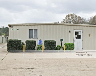 Storage Units for Rent available at 339 Beasley Road, Jackson, MS 39206 Photo Gallery 1