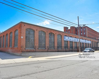 Storage Units for Rent available at 1641 North Main Street, Fall River, MA 02720 Photo Gallery 1