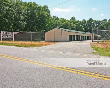 Storage Units for Rent available at 687 Fleming Mill Road, Laurens, SC 29360 Photo Gallery 1
