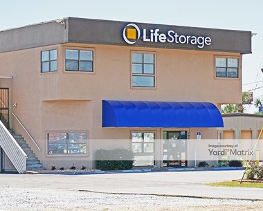Storage Units for Rent available at 195 East Fairfield Drive, Pensacola, FL 32503 Photo Gallery 1