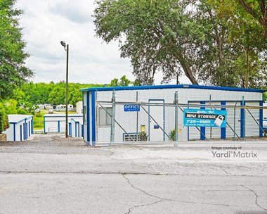 Storage Units for Rent available at 204 Kelly Road, Niceville, FL 32578 Photo Gallery 1