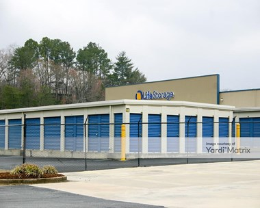 Storage Units for Rent available at 4119 Hixson Pike, Chattanooga, TN 37415 Photo Gallery 1