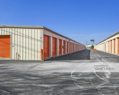Storage Units for Rent available at 4255 Cromwell Road, Chattanooga, TN 37421 Photo Gallery 1