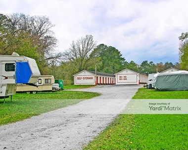 Storage Units for Rent available at 774 Cross Street, Rossville, GA 30741 Photo Gallery 1
