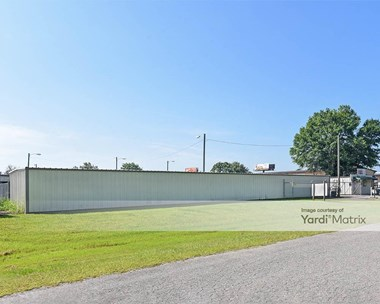 Storage Units for Rent available at 400 Longwood Drive, Richmond Hill, GA 31324 Photo Gallery 1