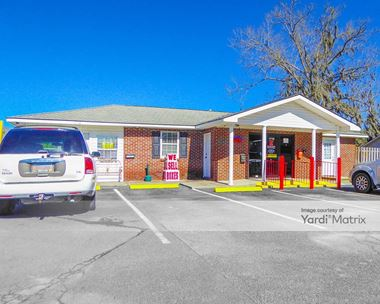 Storage Units for Rent available at 1716 East US Highway 80, Bloomingdale, GA 31302 Photo Gallery 1