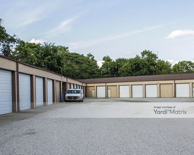 Storage Units for Rent available at 2206 Broadway, Fort Wayne, IN 46802 Photo Gallery 1