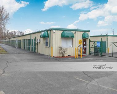Storage Units for Rent available at 1665 West Franklin Street, Elkhart, IN 46516 Photo Gallery 1