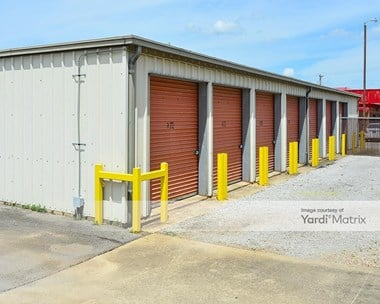 Storage Units for Rent available at 105 East Elm Street, Athens, AL 35611 Photo Gallery 1