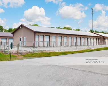 Storage Units for Rent available at 4836 East Main Street, Avon, IN 46123 Photo Gallery 1