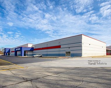 Storage Units for Rent available at 2715 Madison Avenue, Indianapolis, IN 46225 Photo Gallery 1