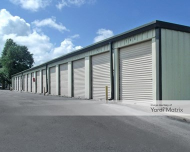 Storage Units for Rent available at 1505 Ferdon Blvd South, Crestview, FL 32536 Photo Gallery 1