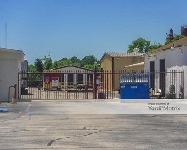 Storage Units for Rent available at 26 A Beal Pkwy NW, Fort Walton Beach, FL 32548 Photo Gallery 1