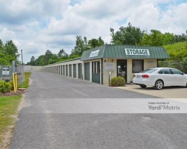 Storage Units for Rent available at 4646 Parkmore Plaza Drive, Milton, FL 32570 Photo Gallery 1