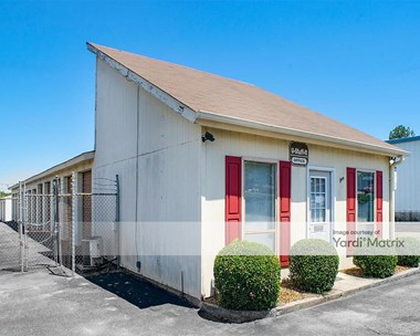 Storage Units for Rent available at 2274 Moody Road, Warner Robins, GA 31088 Photo Gallery 1