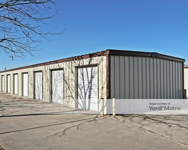 Storage Units for Rent available at 225 Queen Drive, Hewitt, TX 76643 Photo Gallery 1