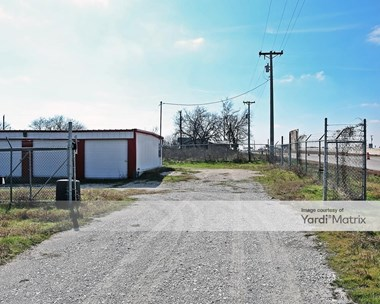 Storage Units for Rent available at 18537 South Interstate Highway 35, Bruceville, TX 76630 Photo Gallery 1