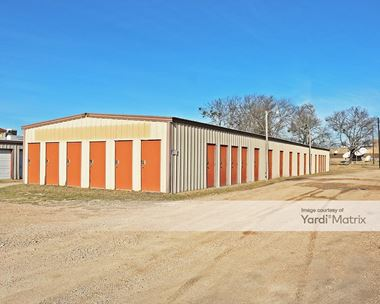 Storage Units for Rent available at 5925 Woodway Drive, Woodway, TX 76712 Photo Gallery 1