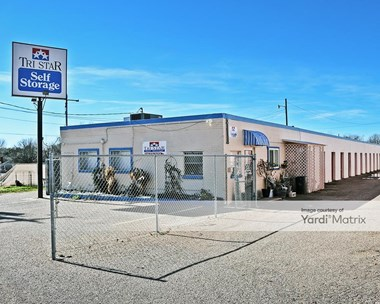 Storage Units for Rent available at 4727 Sanger Avenue, Waco, TX 76710 Photo Gallery 1