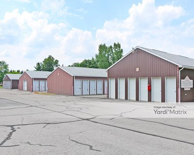 Storage Units for Rent available at 3591 Davison Road, Lapeer, MI 48446 Photo Gallery 1