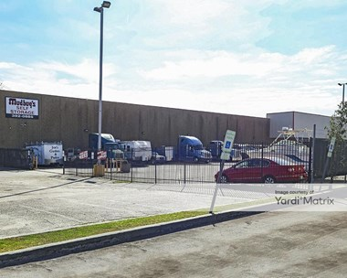 Storage Units for Rent available at 2024 Belle Chase Hwy, Gretna, LA 70056 Photo Gallery 1