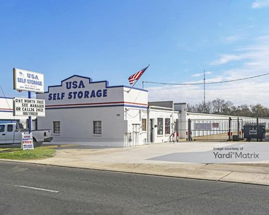 Storage Units for Rent available at 601 Whitney Avenue, Gretna, LA 70056 Photo Gallery 1