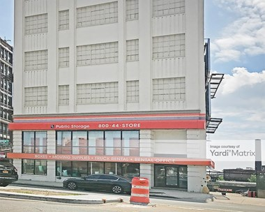 Storage Units for Rent available at 3204 Northern Blvd, Long Island City, NY 11101 Photo Gallery 1