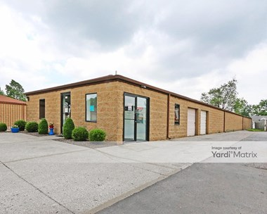 Storage Units for Rent available at 2638 Charlestown Road, New Albany, IN 47150 Photo Gallery 1