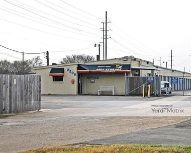 Storage Units for Rent available at 2206 Finfeather Road, Bryan, TX 77801 Photo Gallery 1