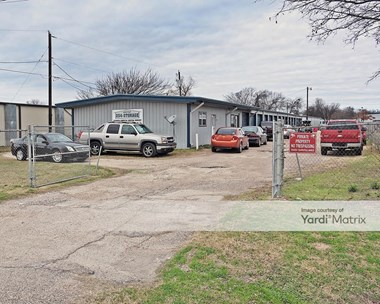 Storage Units for Rent available at 4300 Bellmead Drive, Waco, TX 76705 Photo Gallery 1