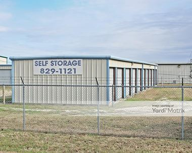 Storage Units for Rent available at 5214 North Old Dallas Road, Elm Mott, TX 76640 Photo Gallery 1