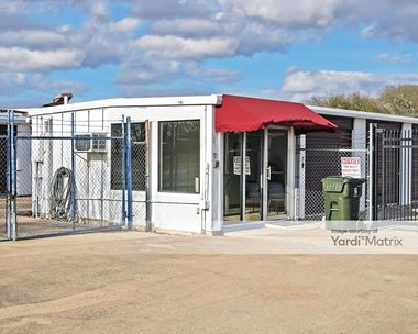 Storage Units for Rent available at 1742 North Earl Rudder Fwy, Bryan, TX 77808 Photo Gallery 1