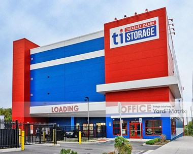 Storage Units for Rent available at 2325 Hollers Avenue, Bronx, NY 10475 Photo Gallery 1