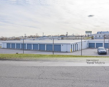 Storage Units for Rent available at 112 Industry Pkwy, Nicholasville, KY 40356 Photo Gallery 1