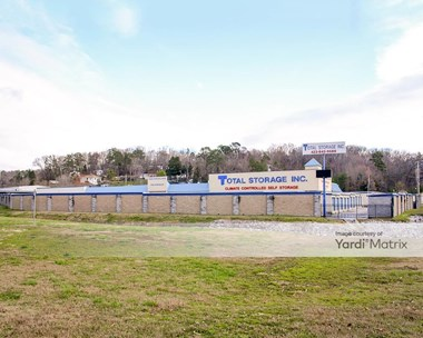 Storage Units for Rent available at 8810 Dallas Hallow Road, Hixson, TN 37343 Photo Gallery 1