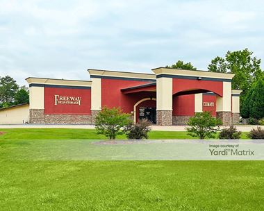 Storage Units for Rent available at 222 Martin Luther King Jr Pkwy, Phenix City, AL 36869 Photo Gallery 1