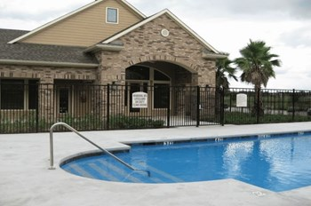 6795 Belle Vale Dr 1-2 Beds Apartment for Rent Photo Gallery 1