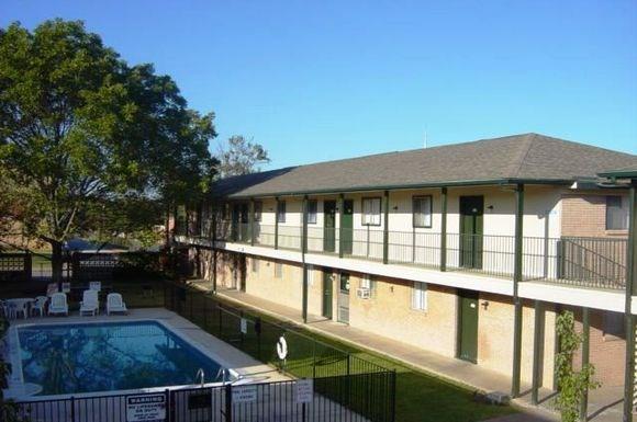 Bel aire apartments 818 tharp st arlington tx rentcaf - Cheap 3 bedroom apartments in arlington tx ...