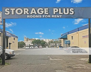 Storage Units for Rent available at 3500 Review Avenue, Long Island City, NY 11101 Photo Gallery 1