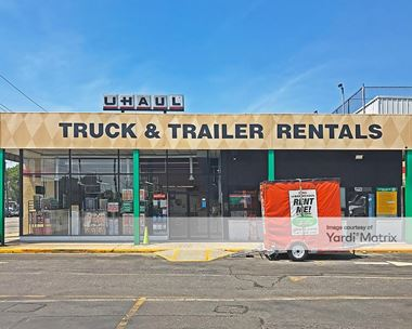 Storage Units for Rent available at 251-37 Jericho Turnpike, Bellerose, NY 11426 Photo Gallery 1