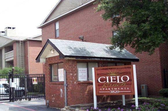 Cielo Ranch Photo Gallery 1. Cielo Ranch Apartments  3829 Gannon Ln   Dallas  TX   RENTCaf