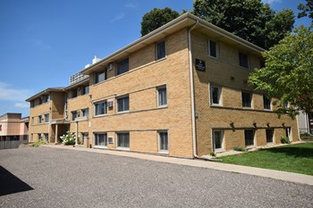 751-755 Mount Curve Blvd 2 Beds Apartment for Rent Photo Gallery 1