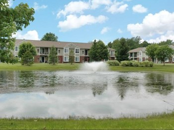34200 Pinewoods Circle 2-3 Beds Apartment for Rent Photo Gallery 1
