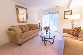 1301 Woodlake Lane 1-2 Beds Apartment for Rent Photo Gallery 1