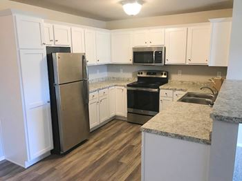 6905 Schofield Ave. 2 Beds Apartment for Rent Photo Gallery 1