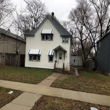 318 19 1/2 Avenue North 4 Beds House for Rent Photo Gallery 1