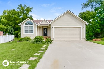 21408 E 51St St Ct S 4 Beds House for Rent Photo Gallery 1