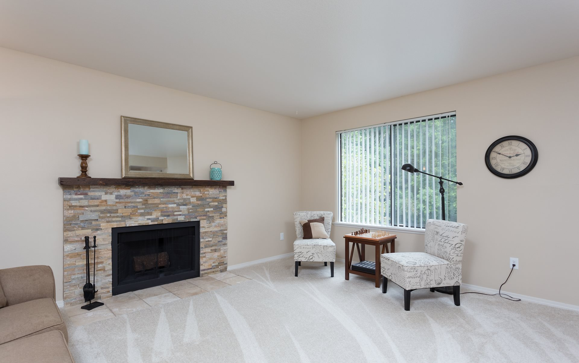 Oswego Cove Apartments | Living Room